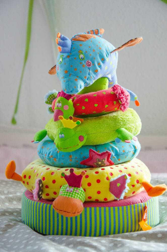 Erstes babyspielzeug spielzeug baby kind und meer