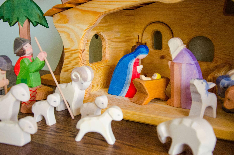 Kinder Weihnachtskrippe.Ostheimer Krippe Verlosung Spielzeug Baby Kind Und Meer
