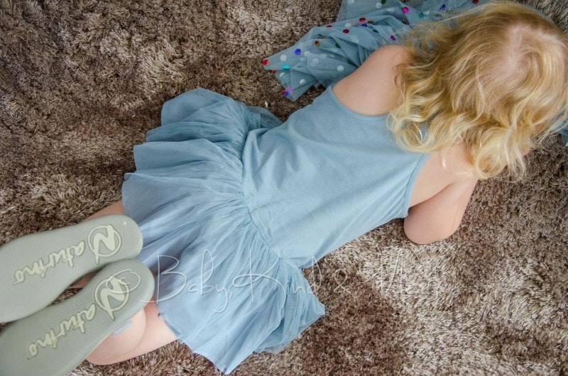 Lotte im Stella McCartney Kleid