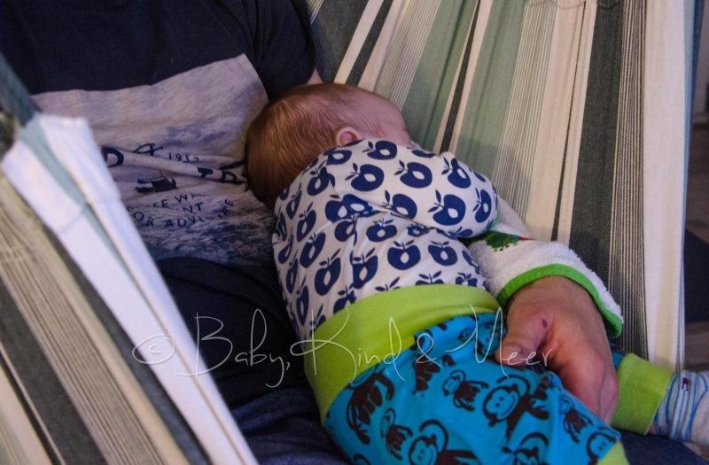 Tom schläft bei Papa