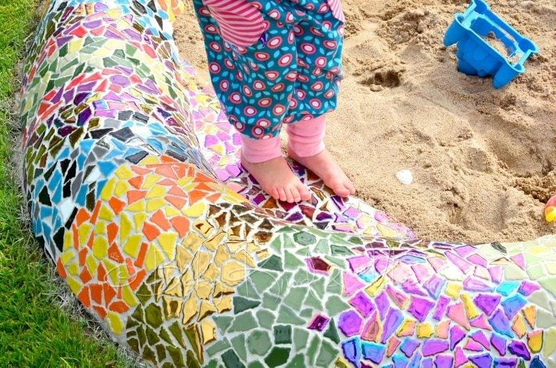 eine mosaik-schlange als sandkasten - hausbau & garten, do it, Gartenarbeit ideen