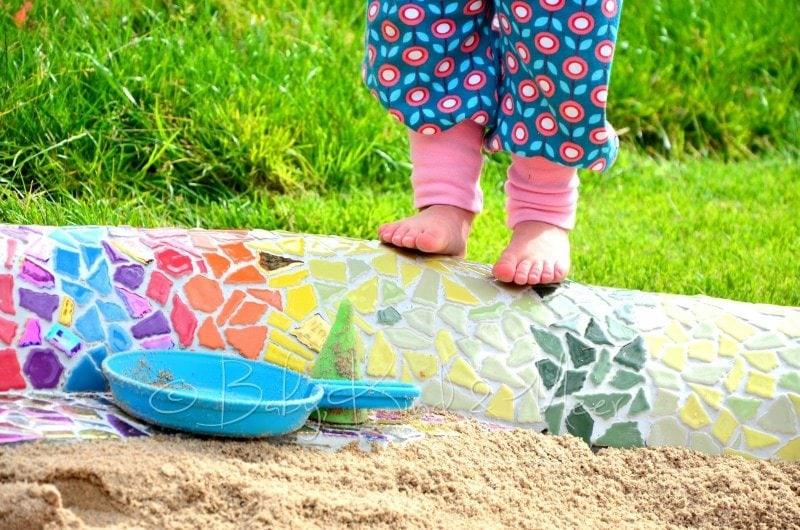Lotte auf Mosaik Schlange