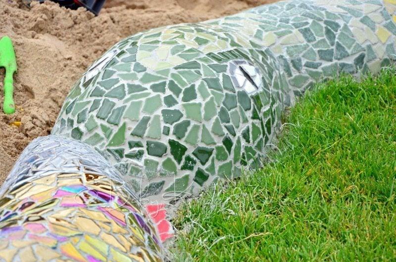 Mosaik Schlange polieren