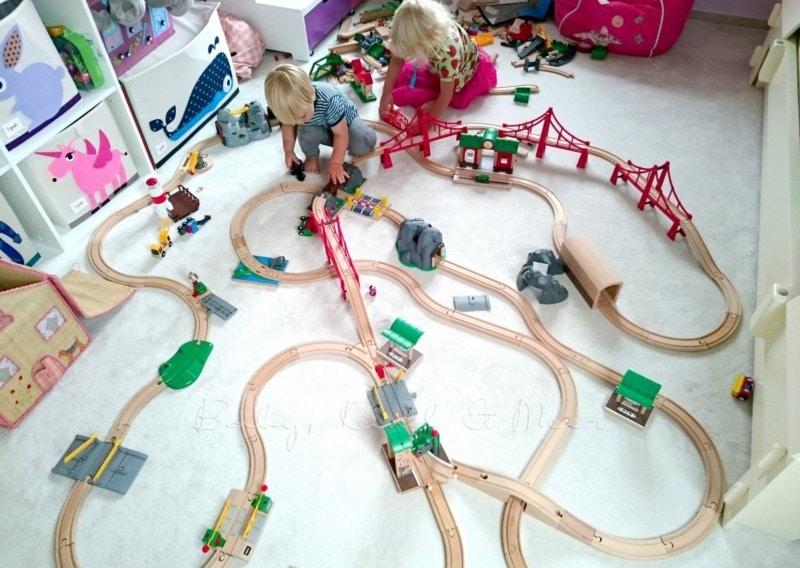 Brio im Kinderzimmer (2)