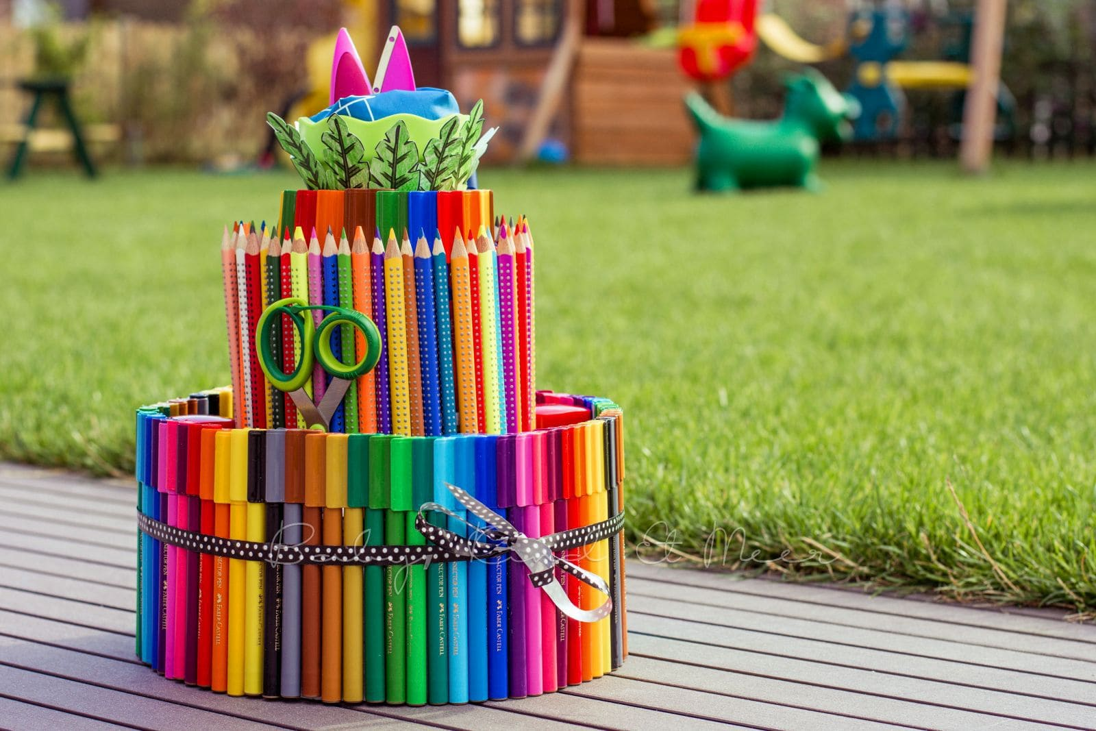 diy eine torte aus stiften do it yourself inspirationen baby kind und meer. Black Bedroom Furniture Sets. Home Design Ideas