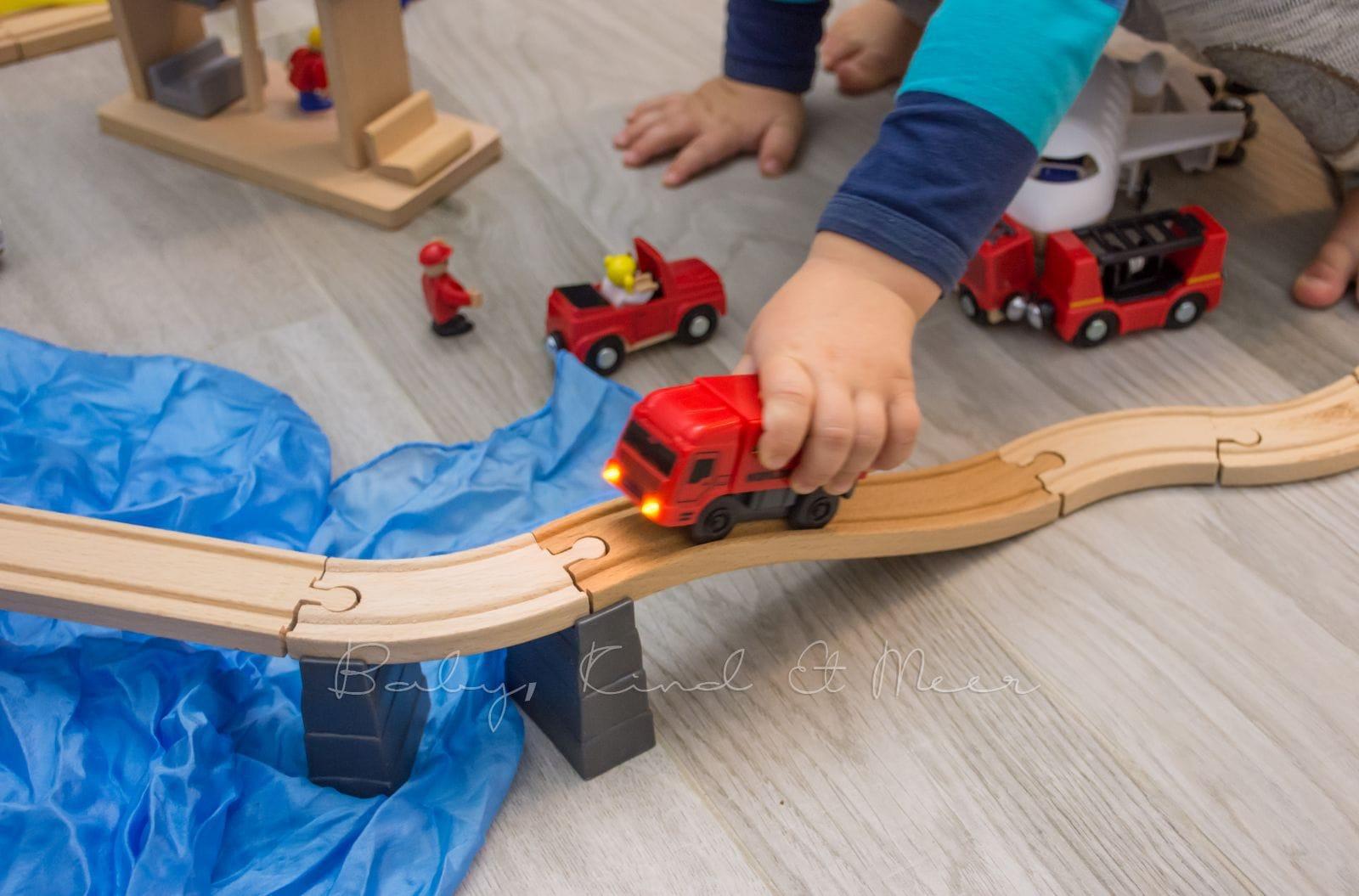 Holzeisenbahnen Müssen Nicht Teuer Sein Spielzeug Baby
