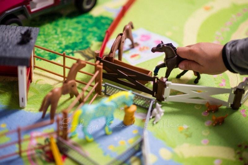 Playmobil Weihnachtsbaum.Playmobil Adventskalender Spielzeug Baby Kind Und Meer