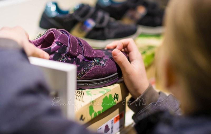Schuhkauf bei RENO 1