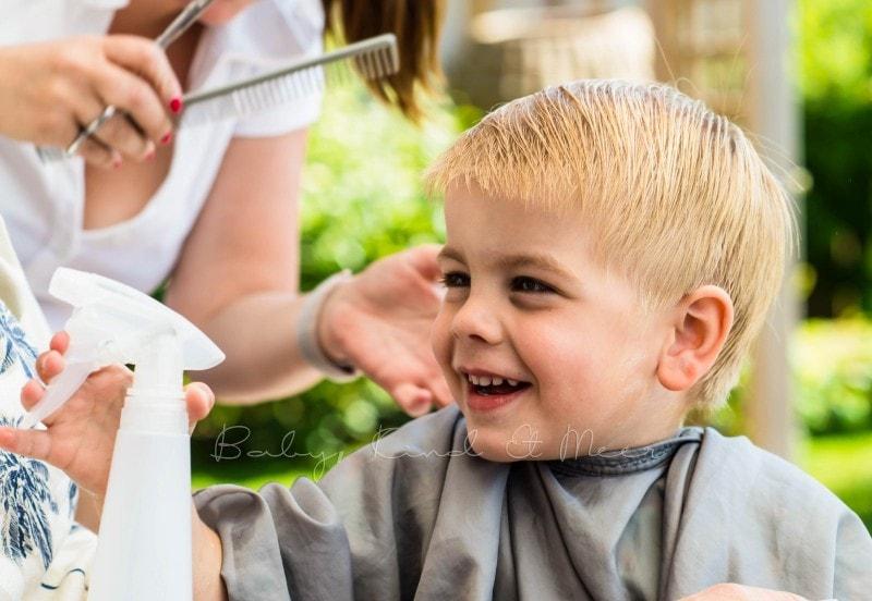 Tom beim Friseur 1