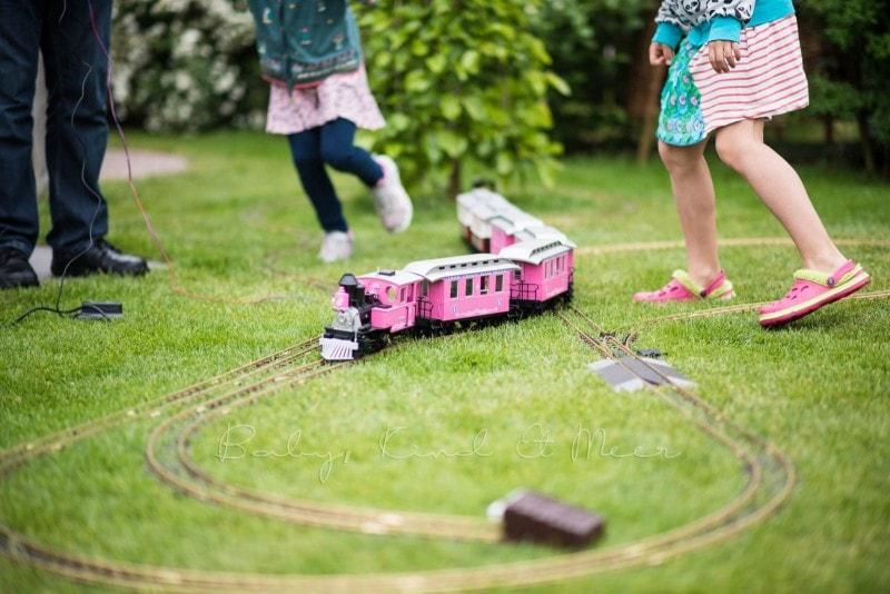 im Garten spielen 7