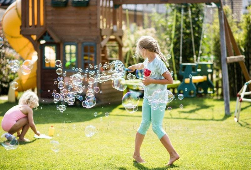 Seifenblasen im Garten 2