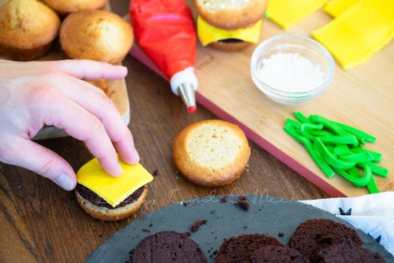 Cheeseburger Muffins mit Kekspommes 27