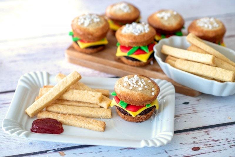Cheeseburger Muffins mit Kekspommes 8